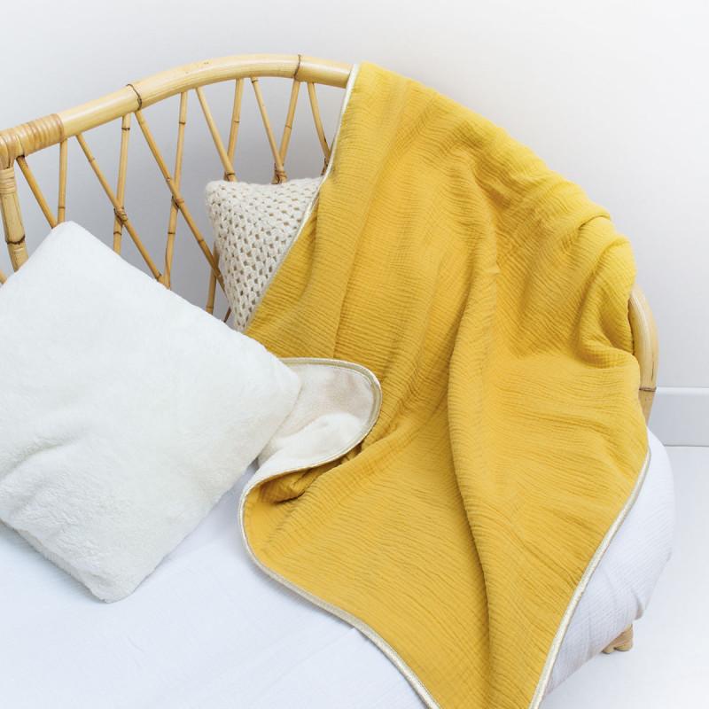 plaid moutarde tendance de cr ateur made in france cocoeko. Black Bedroom Furniture Sets. Home Design Ideas
