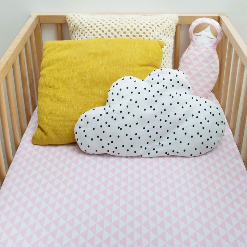 Drap housse lit bébé triangle rose